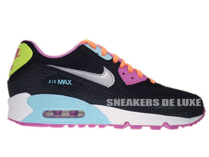 A Closer Look at the Nike Air Max 90 Ice